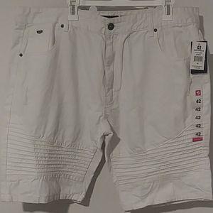 Brandnew white Southpole shorts. Size 42 waist NWT